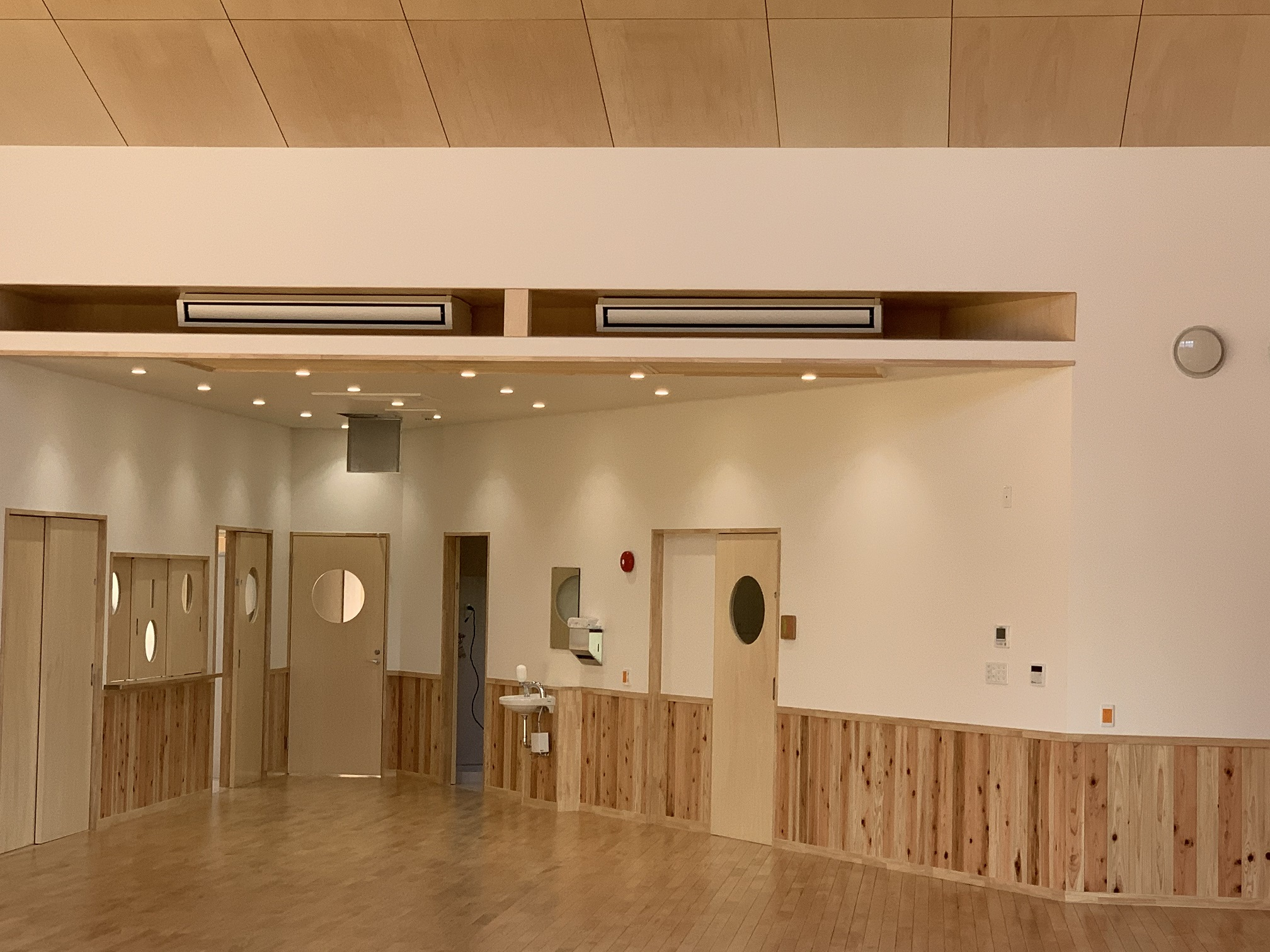 O 幼稚園空調工事 竣工